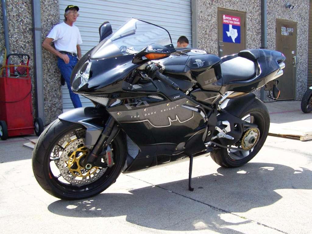 Name:  Batman F4 2.jpg Views: 148 Size:  103.7 KB
