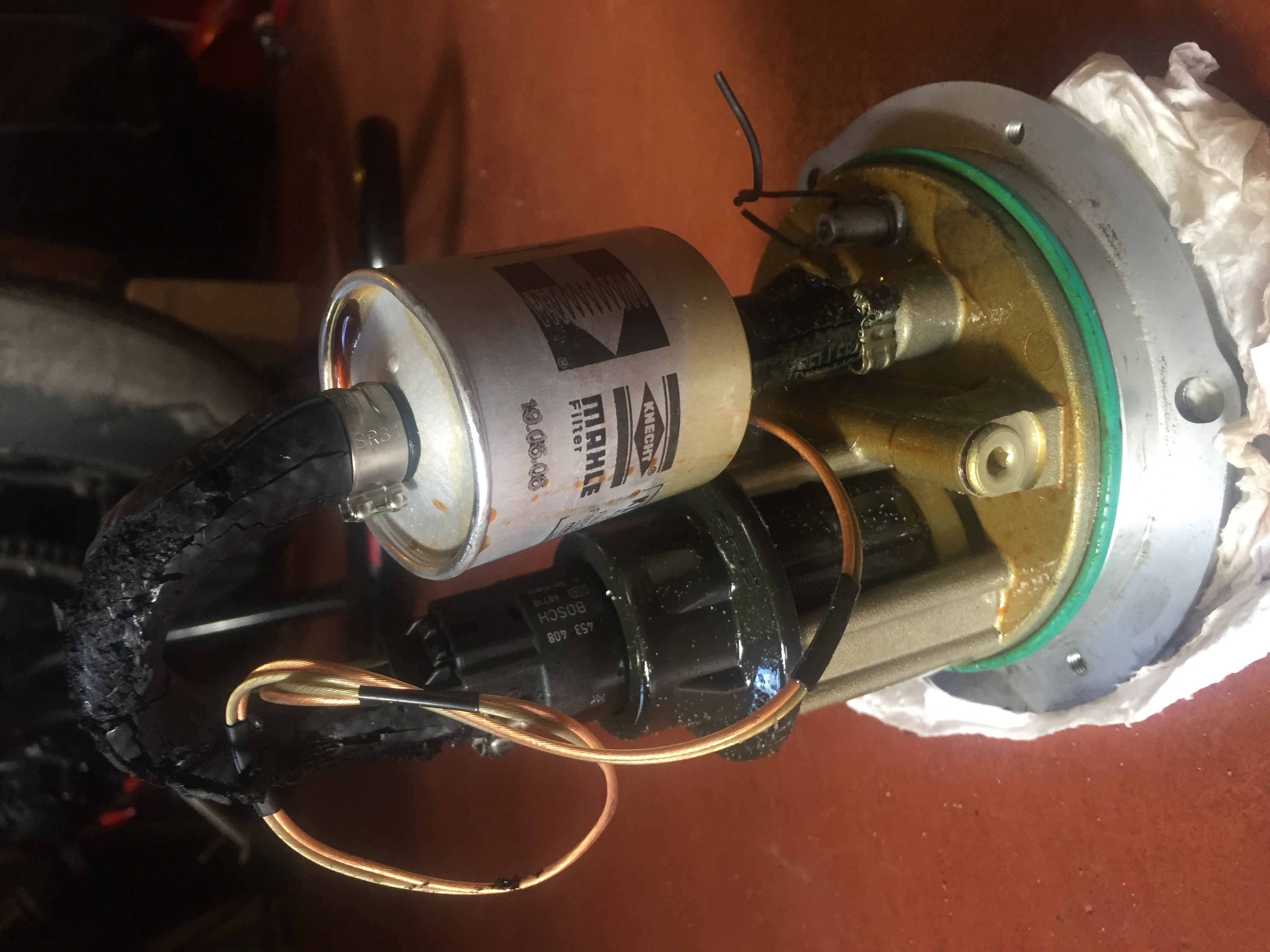 2007 MV F4 R fuel pump replace - MVAgusta net
